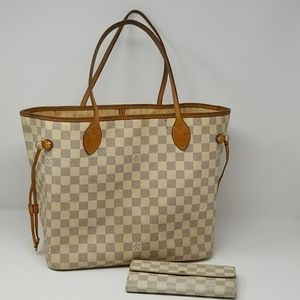 Louis Vuitton Neverfull MM with Sarah Wallet
